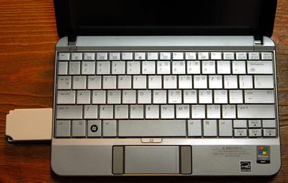 HP2140に挿入したNS001U
